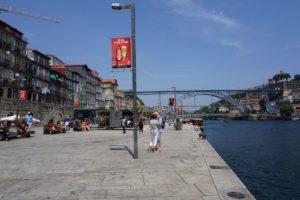Promenáda Cais da Ribeira - co dělat v Portu