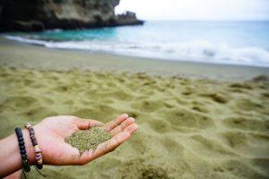 havajské ostrovy - green sand beach
